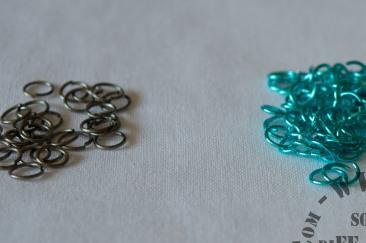 Blue_silver_rings_left