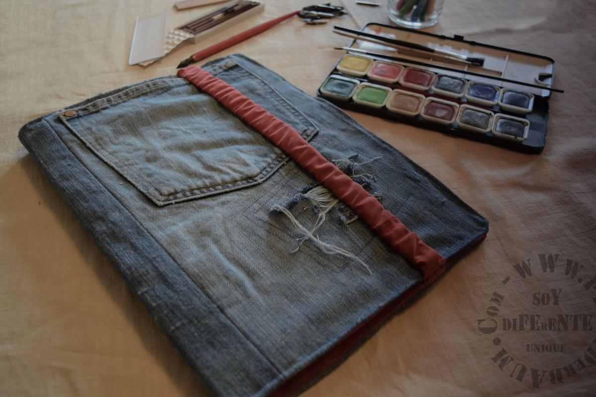 Die destruierte* Jeans